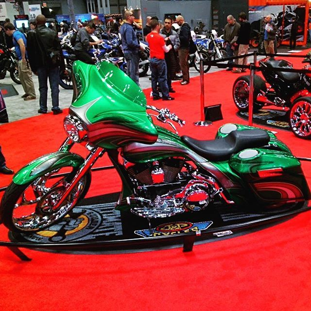 #Progressive #Motorcycle Show J&P Cycles Custom #Bagger in Green // #Throughglass #nycmixing