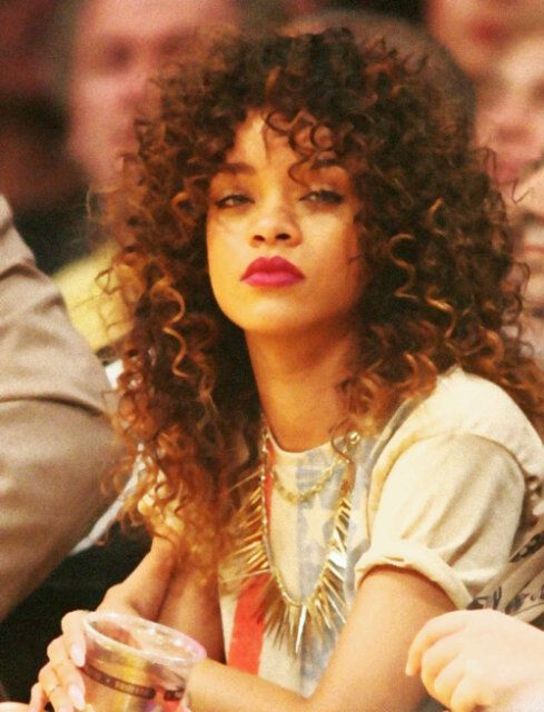 Magnificent 1000 Ideas About Rihanna Curly Hair On Pinterest Curly Hair Hairstyles For Women Draintrainus
