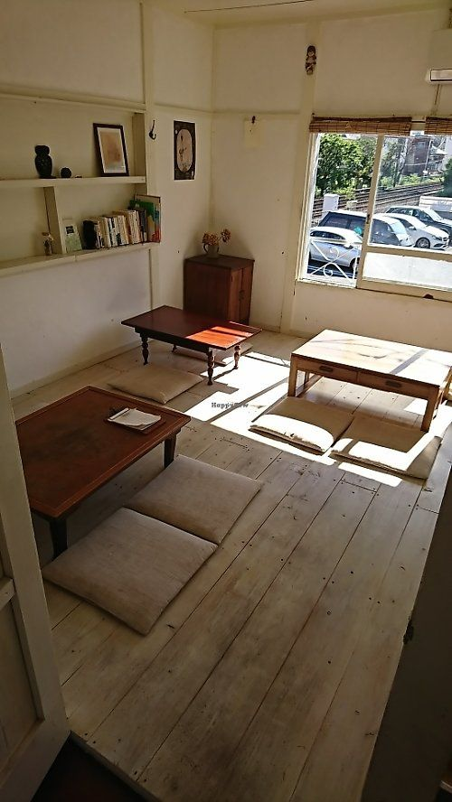 BEST  PLACE Photo of Hinabi  by moka_a The 2nd floor with wooden flooring over which hangs pleasantly languid atmosphere  June 7, 2017  - Report