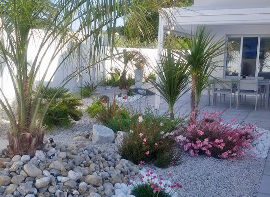 Un jardin de bord de mer protégé des vents (Scènes de jardins)