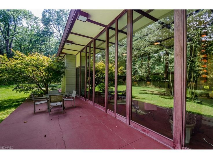 The Louis Penfield House, Designed By Frank Lloyd Wright And Built In 1955,  Has