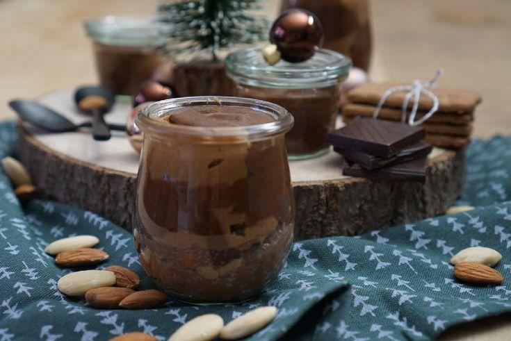 Süße Mandel-Schoko-Creme mit Spekulatiusswirl