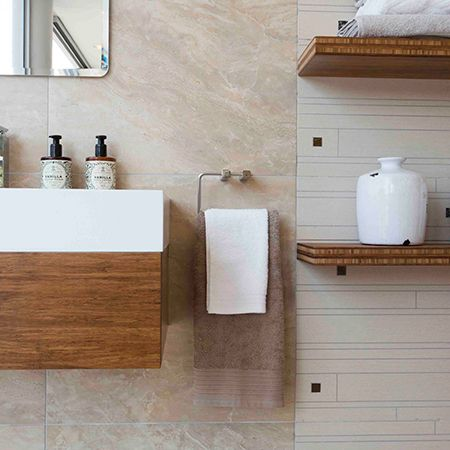 The guest bathroom should be an extension of your home and should not be decorated in isolation. One way to achieve a uniformed look is by applying the same style and design to the other bathrooms in your home. http://www.easydiy.co.za/index.php/improve/544-guest-bathroom-facelift