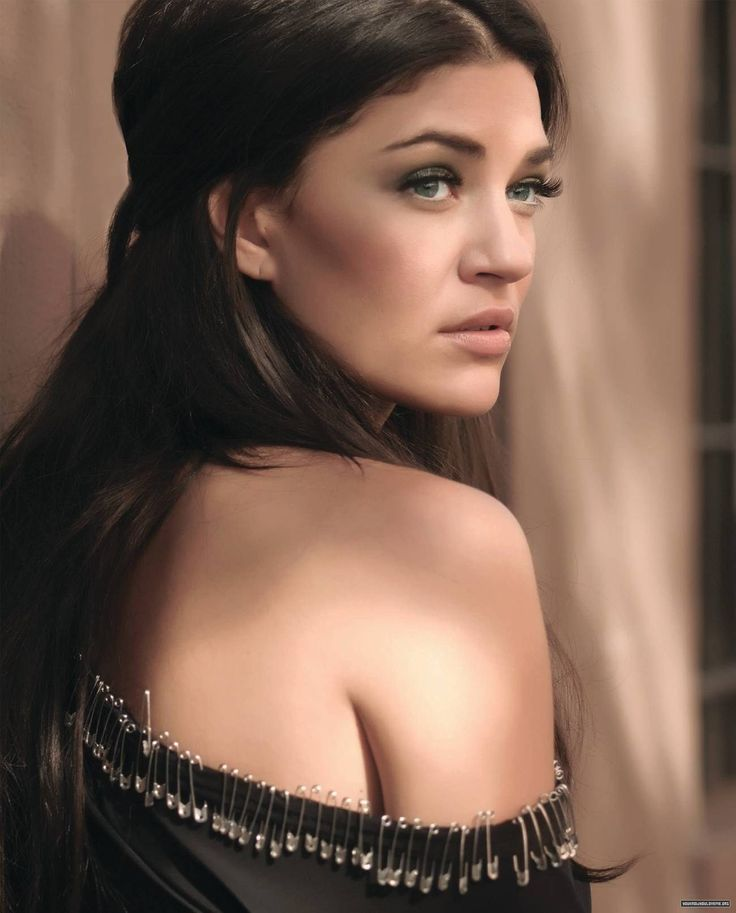 Jessica Szhor...damn crush on this girl all over again!