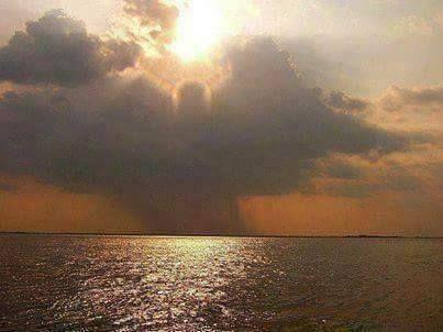Arcángeles de más de 10 metros que cuidan los límites del mar para que sus aguas no se desborden.