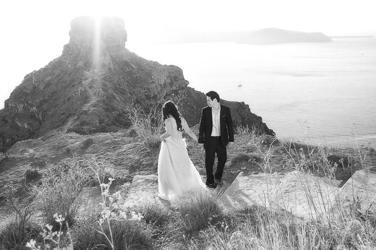 Post wedding photo shoot in Santorini, Imerovigli