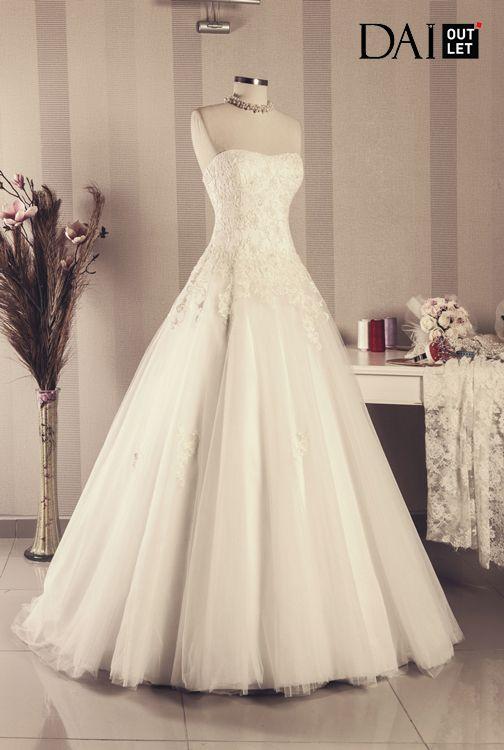 Tek Fiyat 1500 TL inanılmaz modleler, fırsatı kaçırmayın. Stoklar tükenmeden gelinliğinizi ayırtın. 2015 SWEET BRIDE - OUTLET GELİNLİK KOLEKSİYONU #outlet #gelinlik #modeller #evlilik #wedding #dress #dresses #bridal #bride #gelinlikler #outletgelinlik