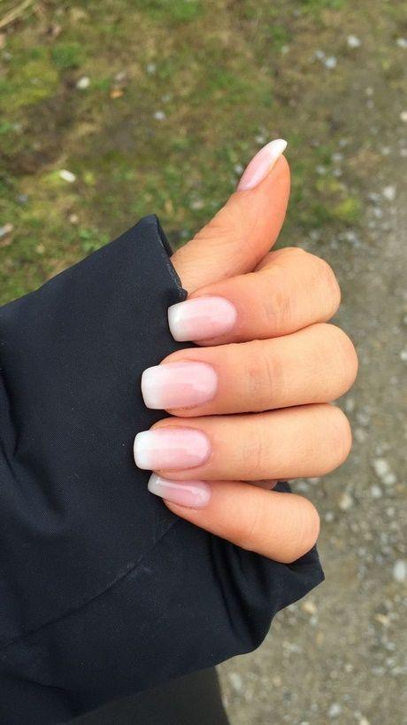 Uñas naturales o uñas de gel