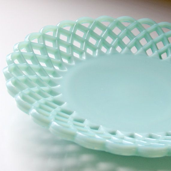 1956 Vintage Fenton Green Milk Glass