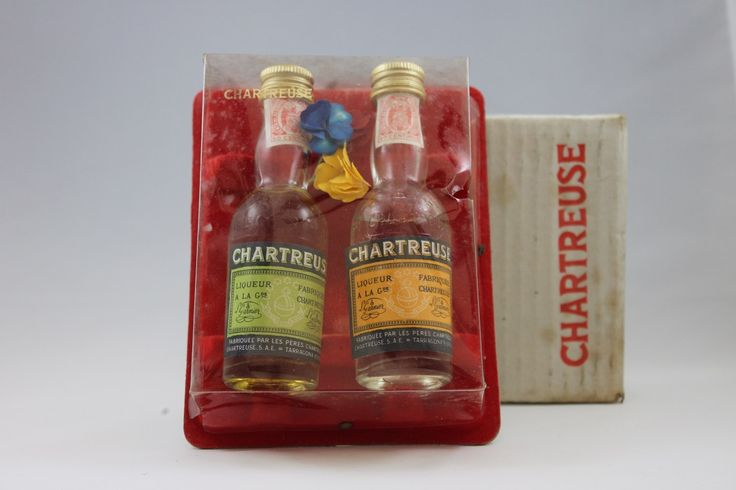 Ancien coffret de 2 mignonnettes de #Chartreuse de Tarragone 1960's #SinfoníaDePlantas