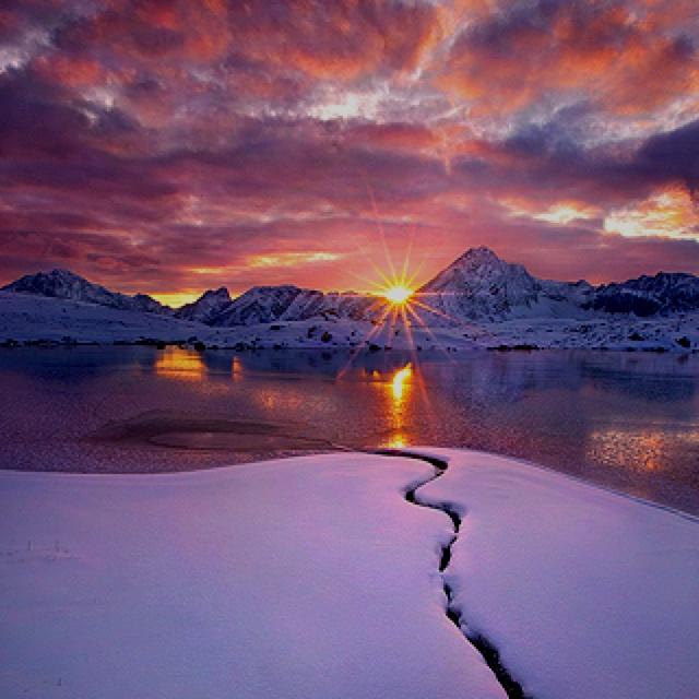 GlacierWinter Pictures, Favorite Places, Amazing Pictures, Winter Photography, Personalized Development, Random Photography, Frozen Water, Leadership Development, True Beautiful
