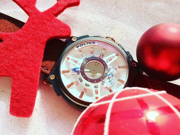 Auf der Suche nach einem Weihnachtsgeschenk? Diese extrovertierte Police Uhr wäre ne tolle Geschenkidee für echte Individualisten. #police #policewatch #xmas #weihnachten #giftidea #geschenkideen #geschenk #wochenende #weekend #uhr #watch #uhrcenter #fashion #accessories #lifestyle #wonderful #elegant #quality #style #photooftheday #picoftheday #tipoftheday #instadaily #instagood #instalike #instawatch