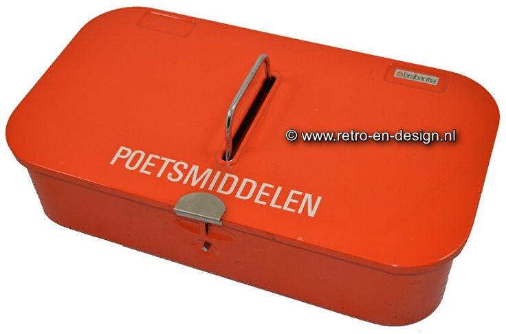 Brabantia poetsmiddelen. Blik, oranje Oud poetsmiddelen blik van Brabantia, eind jaren 60 begin 70… Oranje metaal met zilverkleurige handgreep. Werd vroeger gebruikt voor poetsmiddelen. Mooie opbergplek voor schoensmeer, borstels en meer. Nog steeds prima te gebruiken. zie: http://www.retro-en-design.nl/a-43148177/vintage/brabantia-poetsmiddelen-blik-oranje/