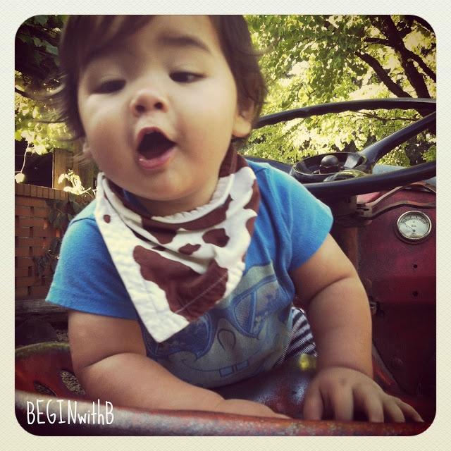 baby bandanna bib tutorial (begin with b)