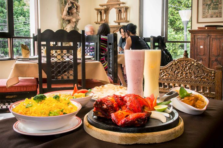 Uno de los mejores lugares de antojitos mexicanos que podemos encontrar en DF es Niza. Restaurante en el pedregal que tiene un menú deliciosos y variado. Pide ahora: http://www.hellofood.com.mx/