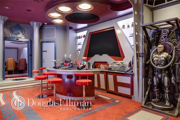 Eclectic Bar with Columns, Built-in bookshelf, Carpet