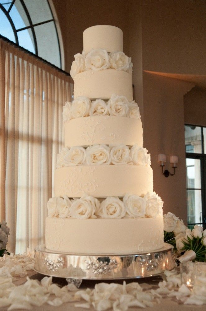 wedding cakes in lagunbeach ca%0A Wedding Cake  Newport Beach Wedding http   caratsandcake com julieandgaren
