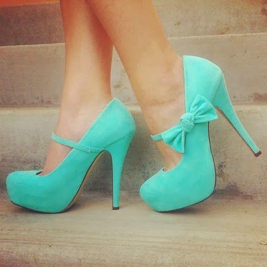 Sapato mint para formatura - http://vestidododia.com.br/vestidos-de-festa/vestidos-verdes-de-formatura/