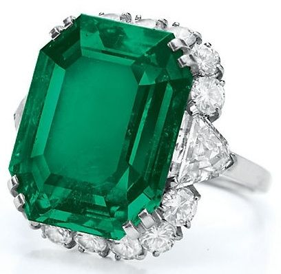 Ring from Elizabeth Taylor's Bulgari emerald and diamond suite, circa 1962. Via Diamonds in the Library.