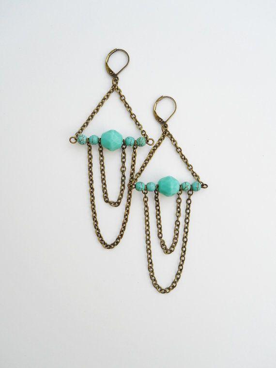 Boucles d'oreilles et chaines