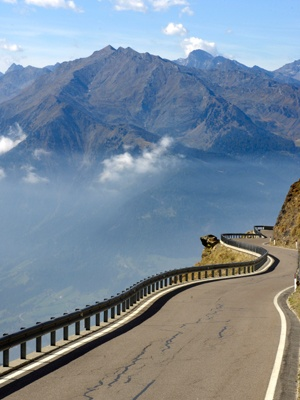 Driving the scenic route in Italy....