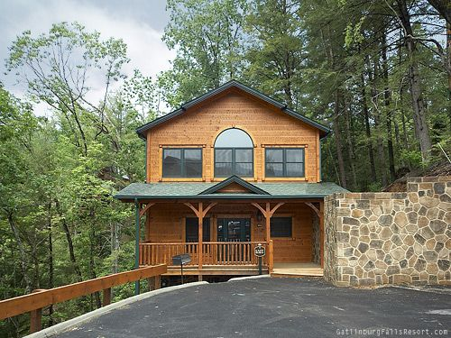"2-bedroom Gatlinburg chalet rental ""Lazy Days"""