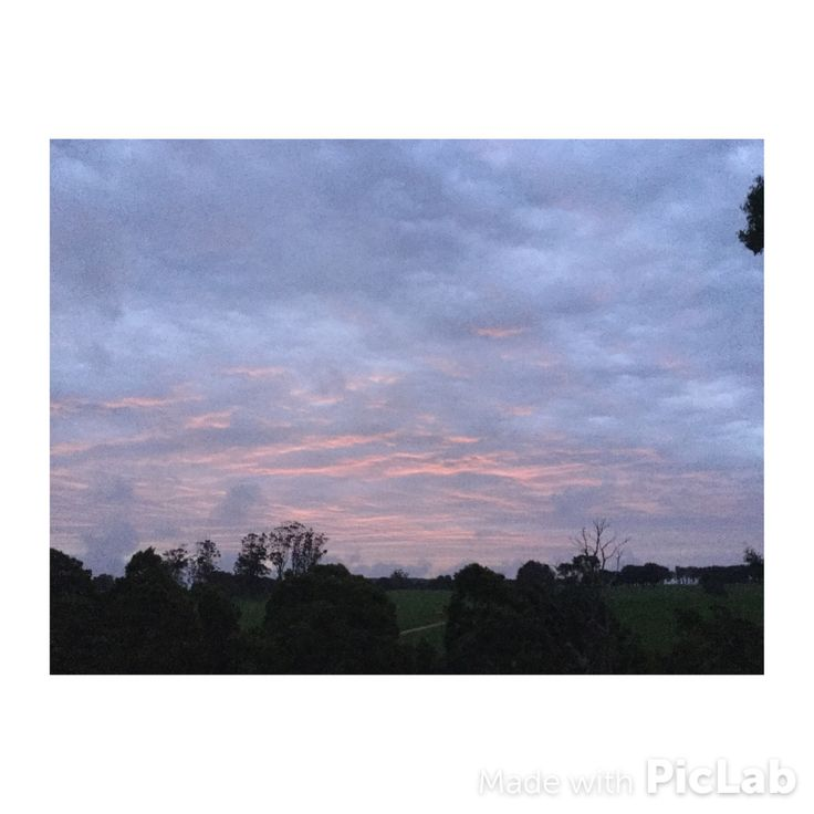 """""""Pink sky at night, sailors delight"""" """"red sky on the morning shepherds warning"""""""