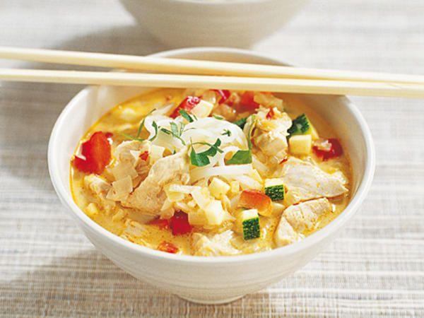 Asiatisk kycklingsoppa | Recept från Köket.se