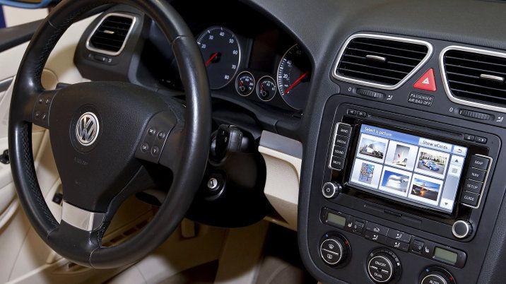 How Do Used Car Dealership Wax Cars