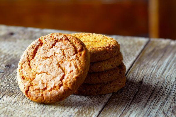 Grab Yourself A Ginger Nut The Easy Essential British Biscuit Recipe Ginger Desserts Ginger Biscuits Desserts