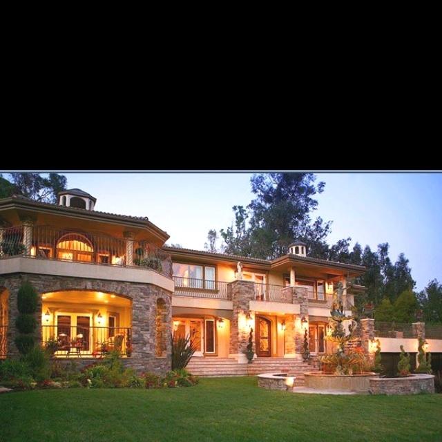 Kris Jenner House: 35 Best Kris Kardashian's Home Interior Images On