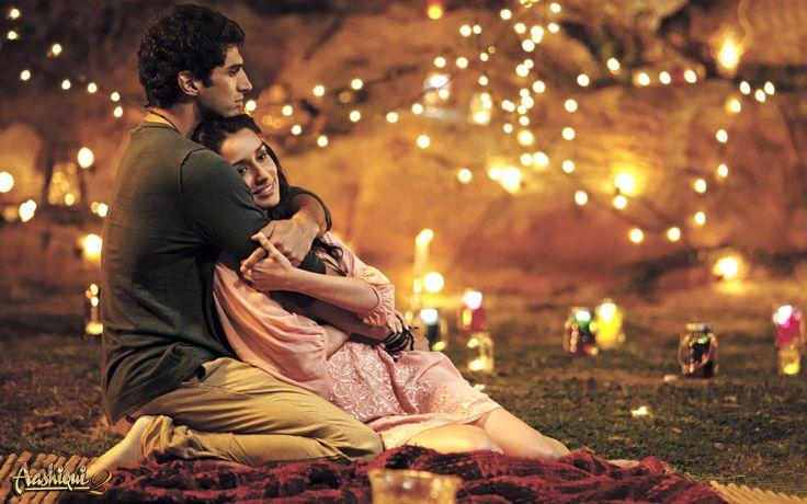 Shraddha Kapoor, Aditya Roy Kapoor Aashiqui 2 Romantic Photo