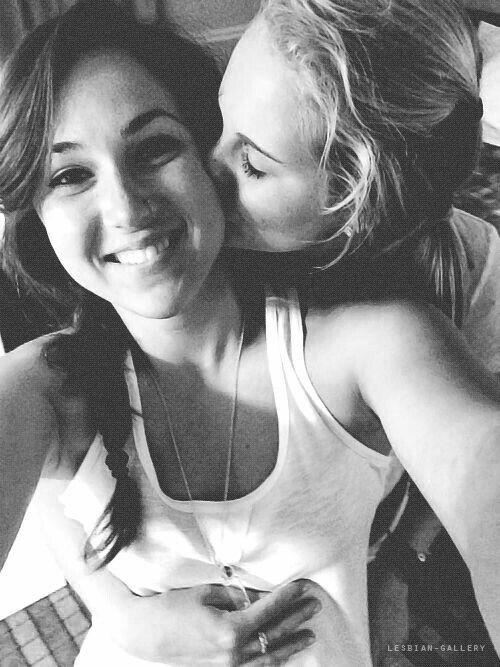 Cute Lesbian Pics