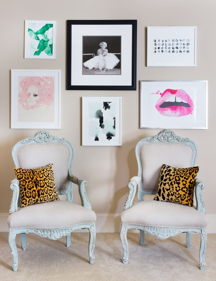 Everything about this room is fab! http://www.stylemepretty.com/living/2015/08/13/behind-the-blog-the-peak-of-tres-chic/ | Photography: Molly Winters - http://mollywintersphotography.com/