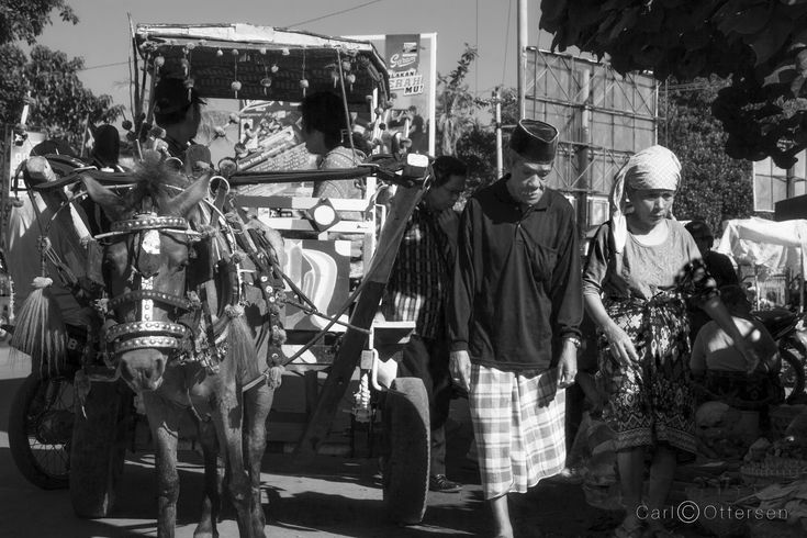 Rolling into the daily market in the port of LabuhanLombok | on the eastern shores of Lombok