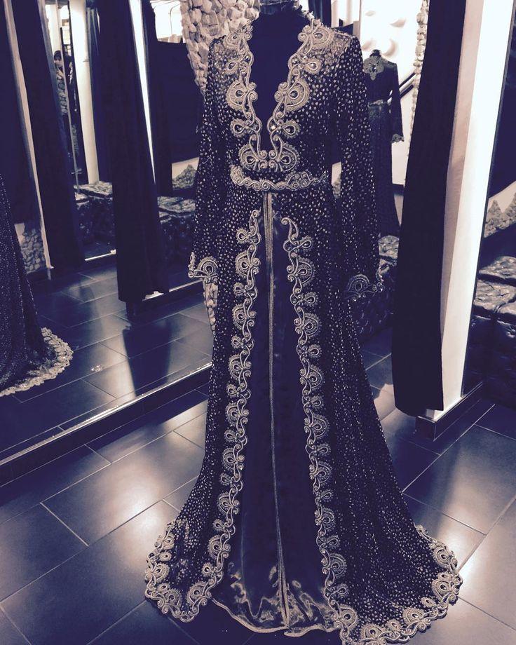 « @romeo_haute_couture @sissiavecromeo #top #fachion #fashion #fashionblog #fashion #من مجموعة روميو لي ٢٠١٦...؟ »