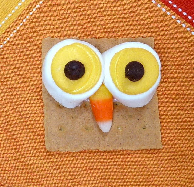 Owl S'Mores = so Cute!!  #owl #recipes: Fun Snacks, Halloween Parties, Fun Food, Owl Snacks, Expressed, Owl S More, Owl Smore, Graham Crackers, Owls