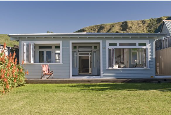 NZ beach house SOMMERWHITE