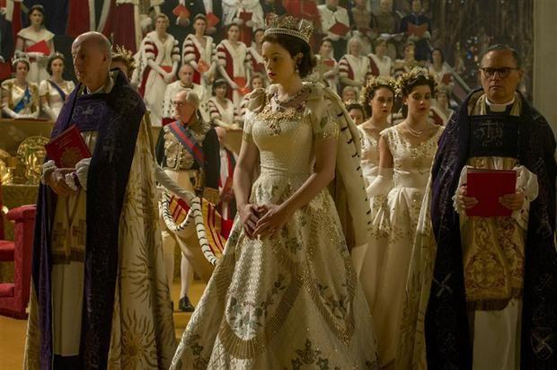 La coronación: una de las escenas más elaboradas de la serie The Crown que está disponible desde hoy en Netflix.