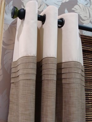 love the pleating! Dress maker detail for window panel looks very stylish and modern.