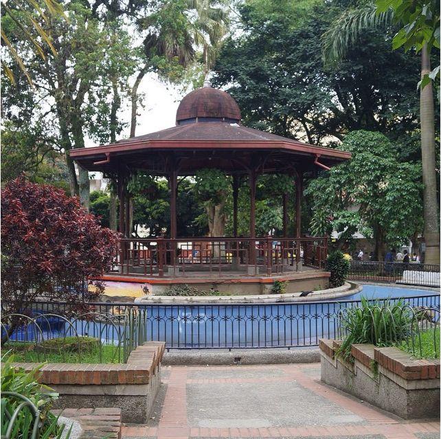 otachi13Park in Caldas, Antioquia #kiosko #parque #park #parco #chiosco #caldasantioquia #antioquia #colombia #ig_colombia #enmicolombia #loves_medellin #loves_colombia