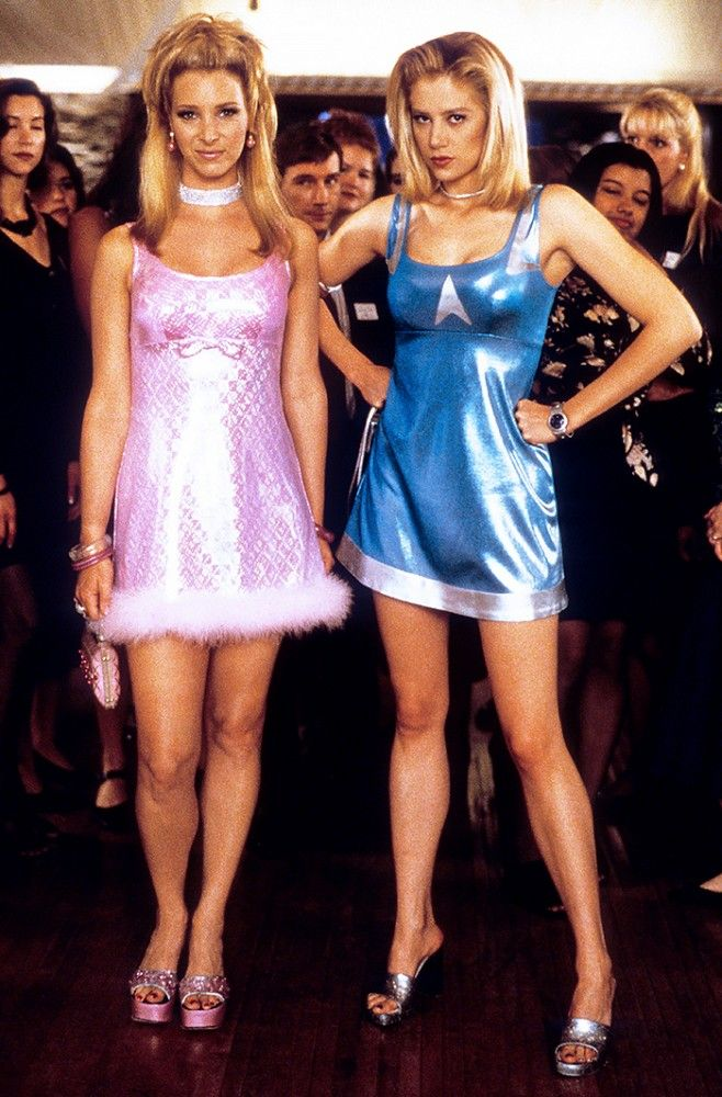 Romy and Michele via @WhoWhatWear
