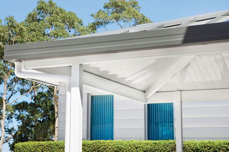 Shademaster Single Skin with Flat Profile. Carport patio with White Bay Ceiling Colour. #outdoor #roof