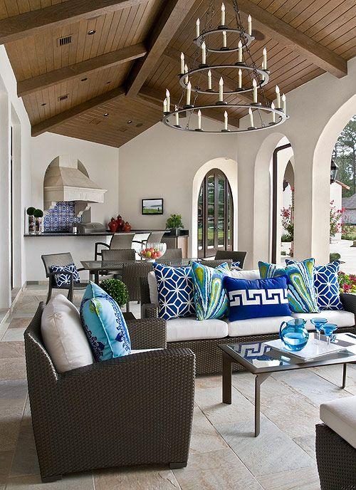 outdoor space - love the blue pillows: Decor Rooms, Living Rooms, Home Interiors, Outdoor Rooms, Outdoor Living, Decor Bedrooms, Gardens Design Ideas, Outdoor Spaces, Modern House