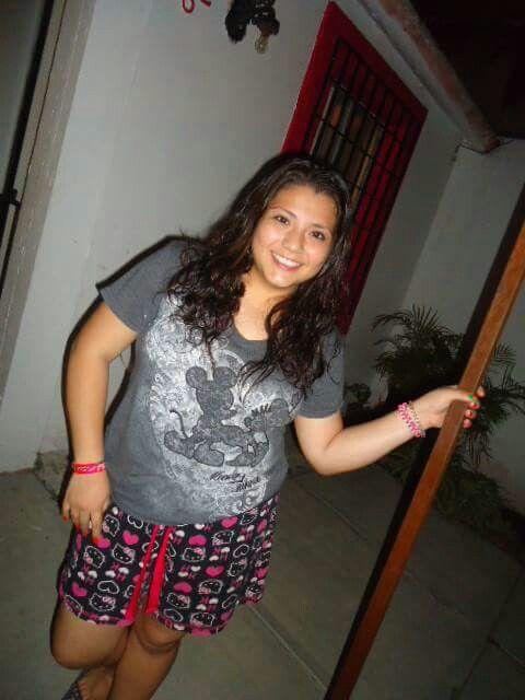 Pijamada en mi casa despues de graduarnos!*-*  @machis:* @Pillina:3