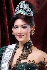Puteri Indonesia 2011 - Maria Selena