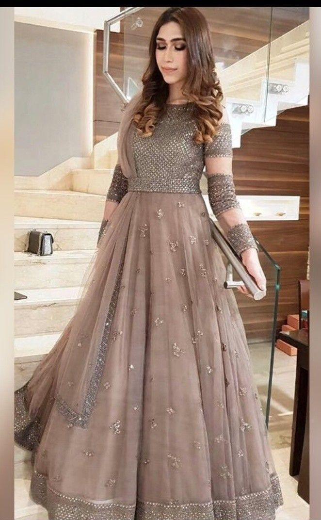 Pin By Afna Hanas On Wedding Guest Outfits Indian Gowns Dresses Shadi Dresses Pakistani Wedding Outfits
