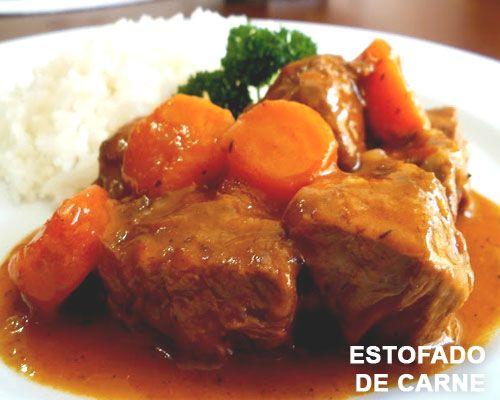 Estofado de carne en salsa y zanahorias
