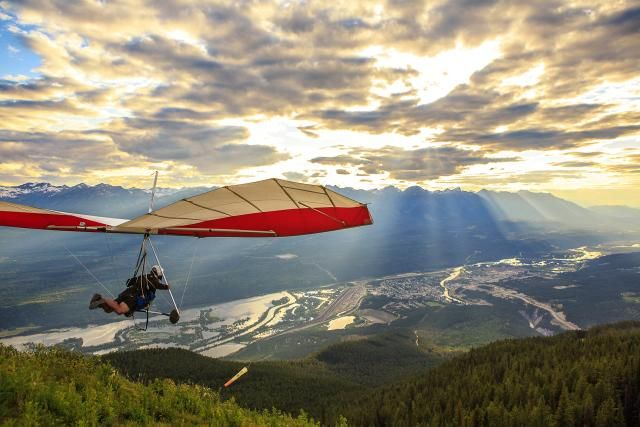 Hang gliding from Mount 7 in Golden. Via Tourism Golden.