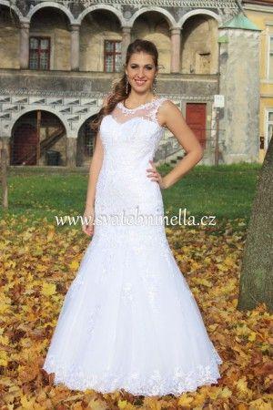 Bílé svatební šaty velikost S 36. Ceny na www.svatebninella.cz   #svatebníšaty, #bíléšaty, #svatební #šaty, #půjčovnašatů, Svatební studio Nella, Česká Lípa